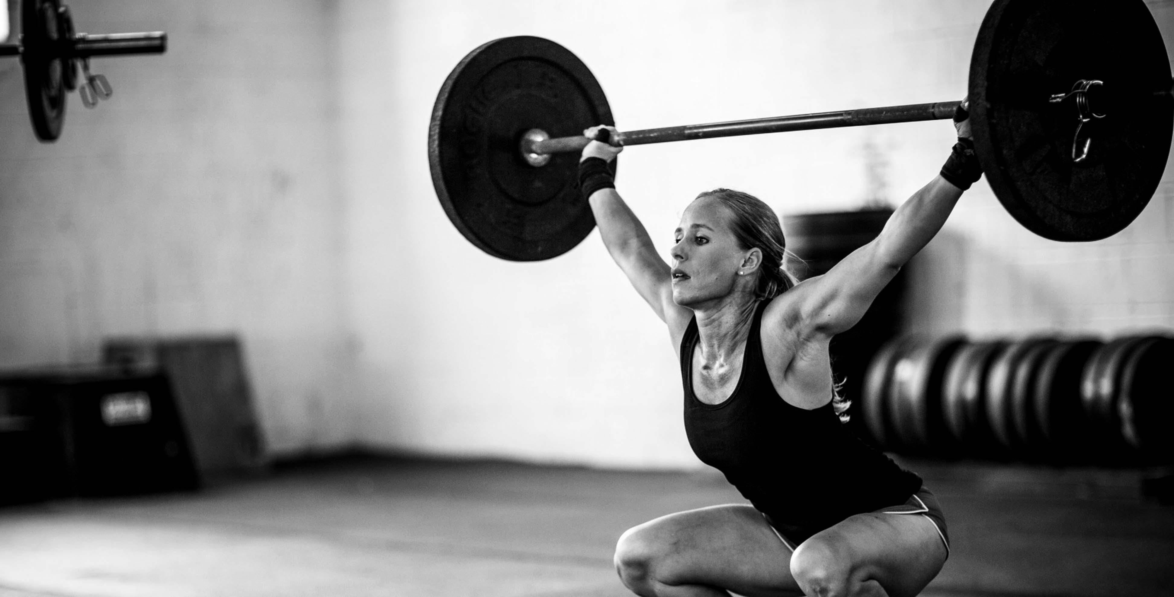 Catalina Acevedo Mejia CrossFit es un sistema de acondicionamiento físico basado en ejercicios funcionales y variados, ejecutados a relativamente alta intensidad.